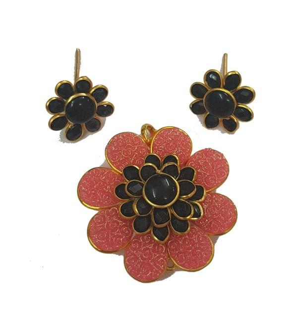 Black Pink, Pacchi Pendant With Combo Earring