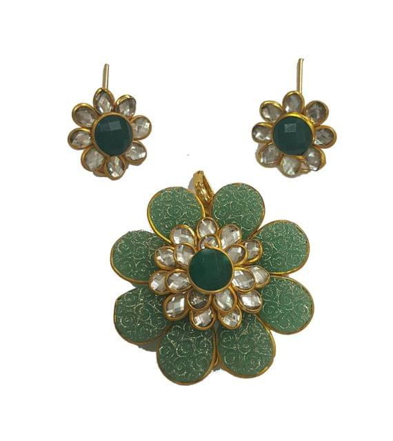 Parrot Green, Pacchi Pendant With Combo Earring Set