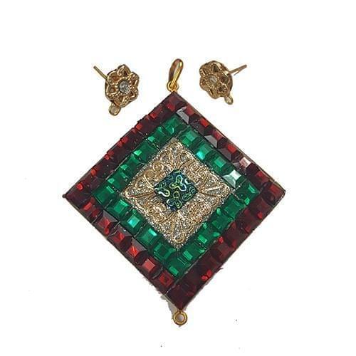 Red, Takkar Pendant With Combo Earring