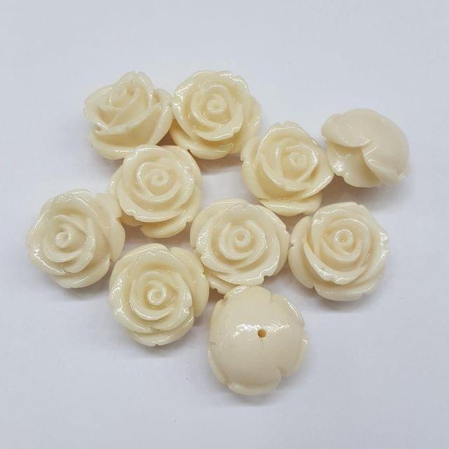 10 pcs White, Acrylic Flower 18mm