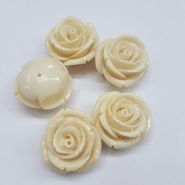5 pcs White, Acrylic Flower 28mm