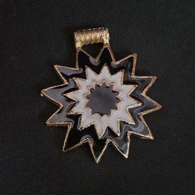 Black White Colour Brass Metal Pendant, 2.5 Inch