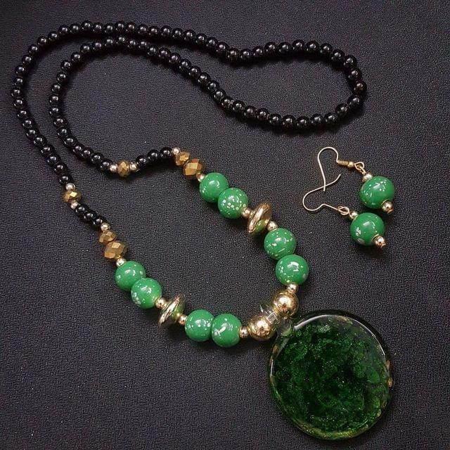 Green Round Style Necklace With Multi Beads