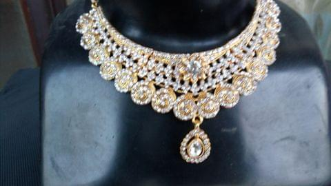 White Gold Tone Jewelry Set Wedding Bridal Earrings Mangtikka