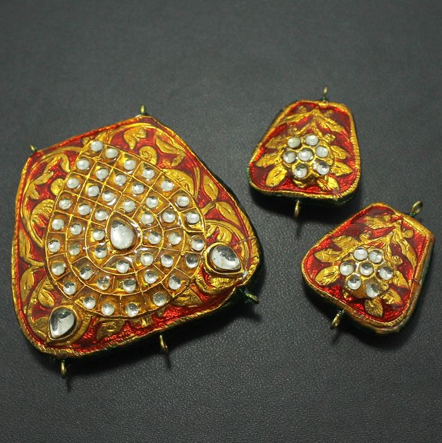 Red Kundan Pendant and Earring Set 4.5x5cm