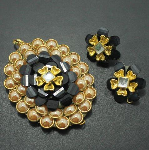 Black Takkar Work Pendant and Earring Set 6x4.5cm