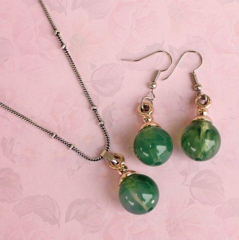 Light Weight Pendant Set Green