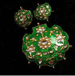 Green With White Color High Quality Meenakari Kundan Pendant