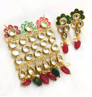 High Quality Kundan Pendant With Meenakari Work Red With Green Color 3' Inches 1 Set (Pendant With Earring)