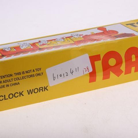 Eassycart Nostalgic Vintage Tin Toys Clockwork Wind Up Iron Train With 3 Train Cabin
