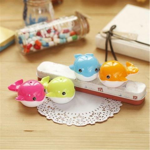 Cute Whale Shape Pen Pencil Sharpener Student Gift Prizes, Random Color